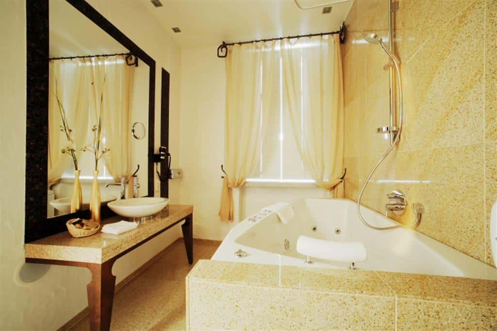 parchment bathroom